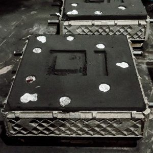 Metal cooling in the mold during the metal solidification process.